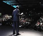 Danny Glover présente à salle comble à San Francisco un film dédié aux 5